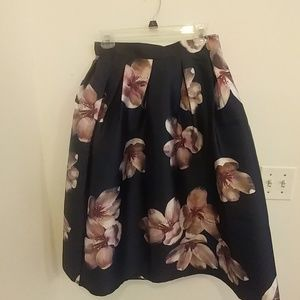Chicwish navy floral skirt